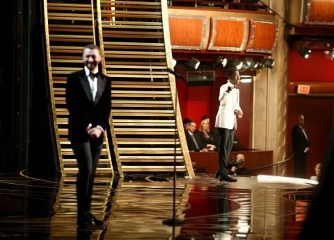 سام سيمث يحصد جائزة أوسكار أفضل أغنية سينمائية