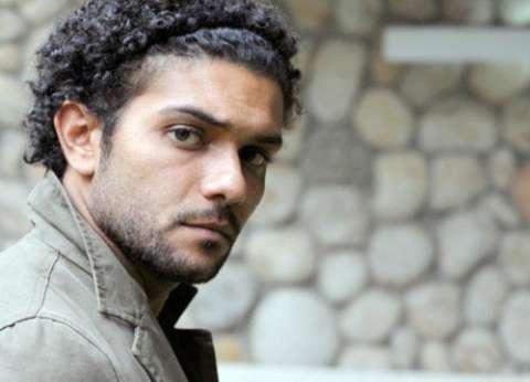 """آسر ياسين عن """"هجوم رفح"""": """"اللهم ارحمهم وصبر أهاليهم"""""""