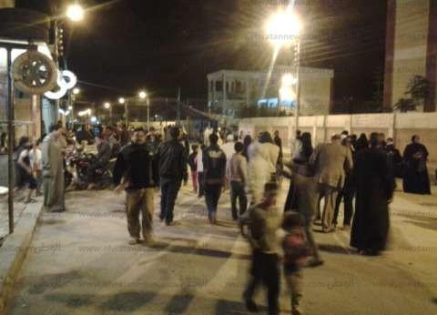 """أهالي """"البرلس"""" بكفر الشيخ يطاردون عناصر الإخوان الإرهابية على الطريق الدولي"""