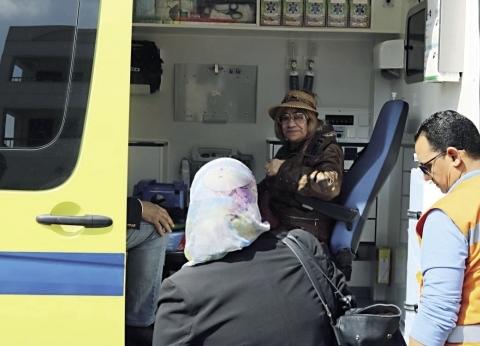 «الإسعاف» تنقل المرضى وكبار السن من منازلهم إلى لجان الاستفتاء