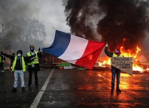"""عاجل  خسائر فادحة في الممتلكات العامة والخاصة بـ""""الشانزليزيه"""" في باريس"""