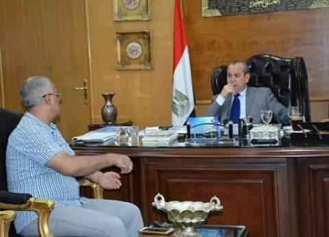 محافظ دمياط يتابع الموقف التنفيذي لتوصيل الغاز بكفر سعد البلد