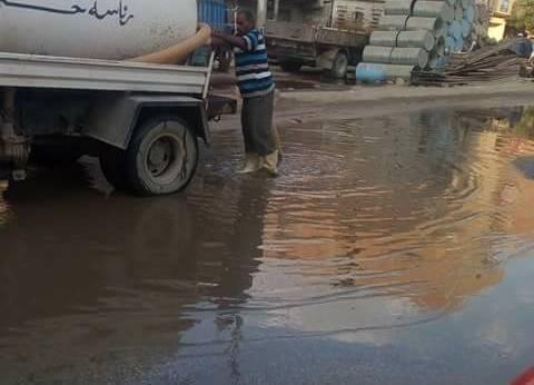 رئاسة حي الأربعين بالسويس تعيد إصلاح خط مياه الشرب بالسادات