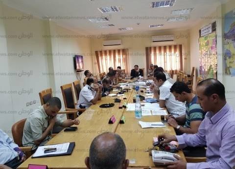 محافظ الفيوم يتفقد سير العملية الانتخابية في القرى والمراكز