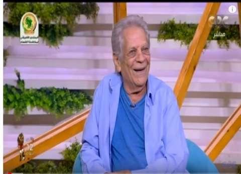 """أحمد صلاح حسني يمازح جميل برسوم على الهواء: """"إزيك يا جدو"""""""