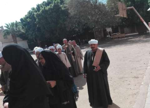 إقبال كثيف من الناخبين على لجان مركز العسيرات بسوهاج
