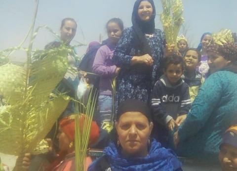 مظاهر الاحتفال بأحد السعف تسيطر على أجواء الاستفتاء بالمنيا