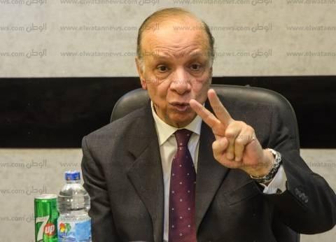 محافظ القاهرة يطالب رؤساء الأحياء بإزالة لافتات الانتخابات من الشوارع