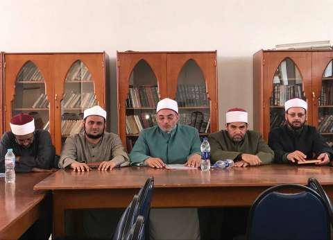 """""""أوقاف العبور"""" تفتح 4 فصول محو أمية بمساجدها"""