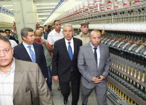 وزير الصناعة يفتتح 5 مصانع في سوهاج باستثمارات 185 مليون جنيه