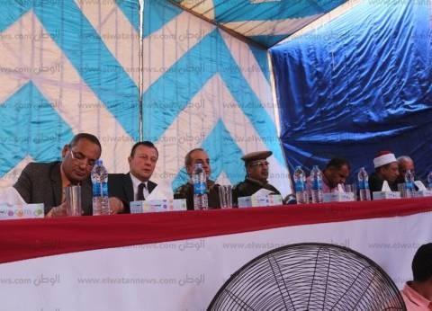 """""""الداخلية"""" تعقد جلسة صلح بين عائلتين في أسيوط"""