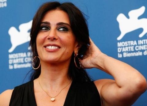 """حاصلة على وسام فرنسي.. معلومات عن نادين لبكي مخرجة """"كفر ناحوم"""""""