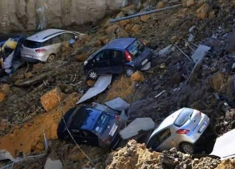 حفرة تبتلع 6 سيارات في شارع سكني.. وعمدة الحي: الموقف تحت السيطرة