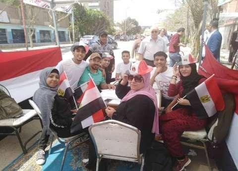 توافد المواطنين على لجان دار السلام والمعادي في ثاني أيام الاستفتاء