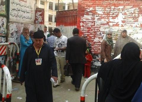"""""""امرأة هزت عرش بولاق"""".. السيدة """"طارق"""" تعمل سمسارة انتخابات لكل المرشحين"""