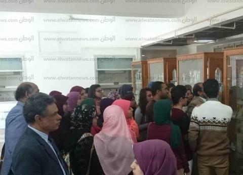 """محافظة أسيوط تنظم ندوة بـ""""بنات الأزهر"""" وجولة سياحية لطلاب فنون جميلة"""