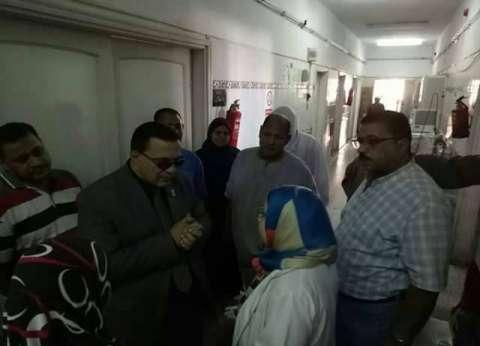 بالصور| وكيل صحة دمياط يتفقد مستشفى كفرسعد ويحيل المقصرين للتحقيق