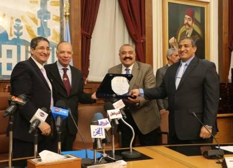 محافظ القاهرة: تنظيم منتدى شبابي شهري بالتعاون مع 3 جامعات