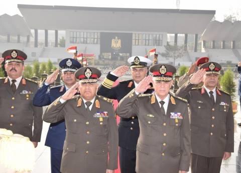 صدقي صبحي يستقبل رئيس مجلس الوزراء ووزير الدفاع بالمملكة الأردنية