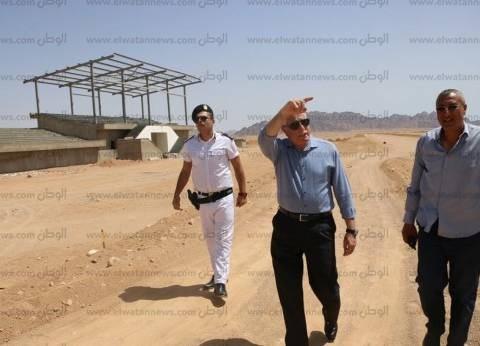 محافظ جنوب سيناء: افتتاح مضمار الهجن وقرية التراث في احتفالات أكتوبر