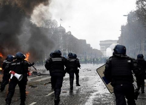 عاجل| فرنسا: ندرس كل الاحتمالات لوقف أعمال العنف حتى quotفرض الطوارئquot