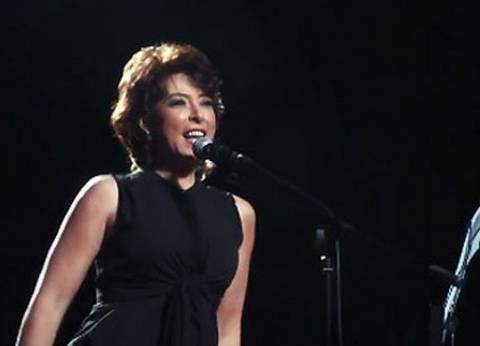 """أنوشكا: أسعى للتوازن بين الغناء والتمثيل.. وكرسي المذيعة """"تجربة صعبة"""""""