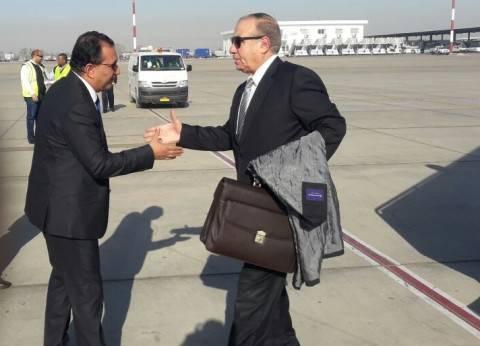 وزير التنمية يصل الاقصر لعقد اجتماع مع محافظى الصعيد