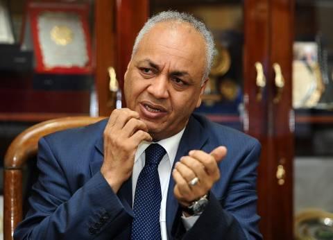 """بكري يطالب بإحالة سائق قطار محطة مصر للمحاكمة العسكرية: """"اشنقوه"""""""