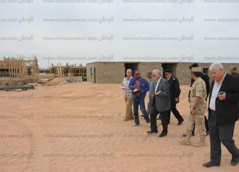 محافظ جنوب سيناء يتابع العمل بموقع جامعة الملك سلمان بمدينة طور سيناء