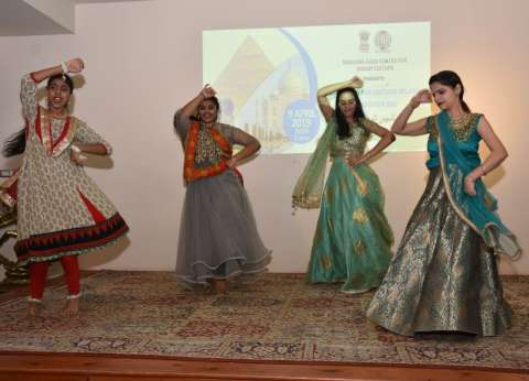 «آزاد»: يوجا ومهرجانات هندية على «ضفاف النيل»