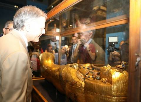 """""""العناني"""" ووزير خارجية إيطاليا يزوران معرض الآثار المؤقت بالتحرير"""