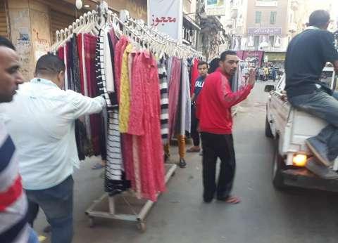 حي وسط الإسكندرية يشن حملة لإزالة الباعة الجائلين من الطريق