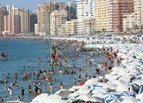 بالصور| كورنيش الإسكندرية يوم الجمعة.. جرى وفسحة وصيد