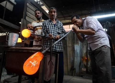 صناعة الزجاج.. حياة من نار فى ورش «سرس الليان»