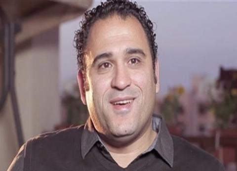 أكرم حسني يروي موقفا كوميديا مع بنتين: quotالعربية كانت هتولعquot