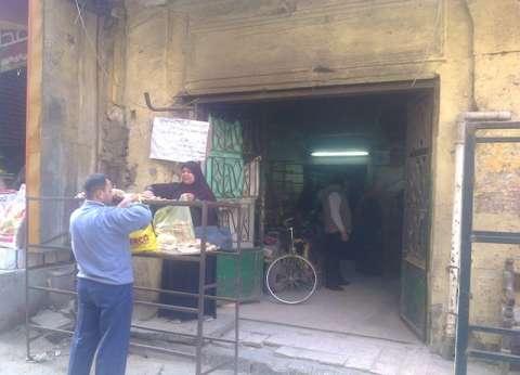 """تفاقم أزمة الخبز في القليوبية.. و""""التموين"""": زيادة حصة الدقيق لـ45 طنا شهريا"""