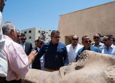 وزير الآثار يتفقد عددا من الأماكن الأثرية بسوهاج