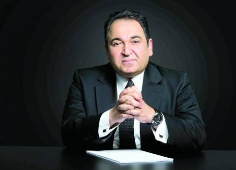 """علي خير ينتقد تغطية التلفزيون لـ""""حريق محطة مصر"""": """"صح النوم يا ماسبيرو"""""""