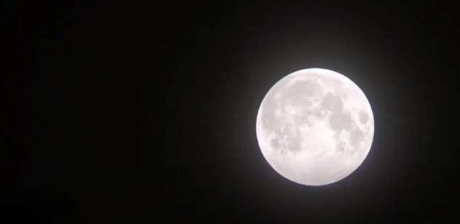 القمر يقترن بالمشترى الليلة