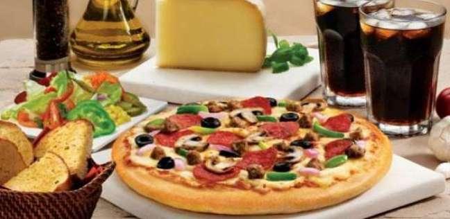 """""""وظيفة الأحلام"""".. شركة تطلب موظفين لتناول البيتزا بمقابل مادي"""