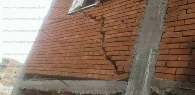 """تصدعات في 4 منازل بسوهاج.. وسكانها يتهمون """"مياه الشرب"""" بالإهمال"""