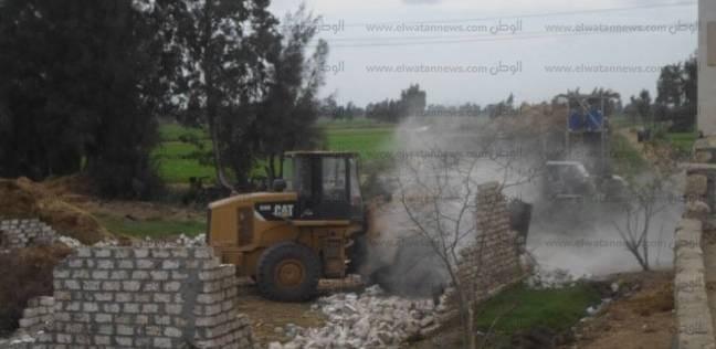 أمن كفر الشيخ ينفذ 49 قرار إزالة على أملاك الدولة والأراضي الزراعية