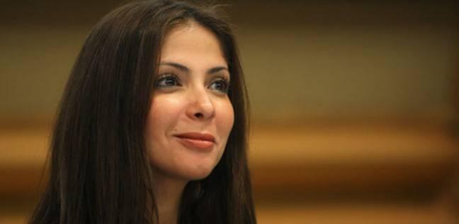 """""""أوسكار السينما العربية"""": منى زكي أفضل ممثلة عن """"أسوار القمر"""""""