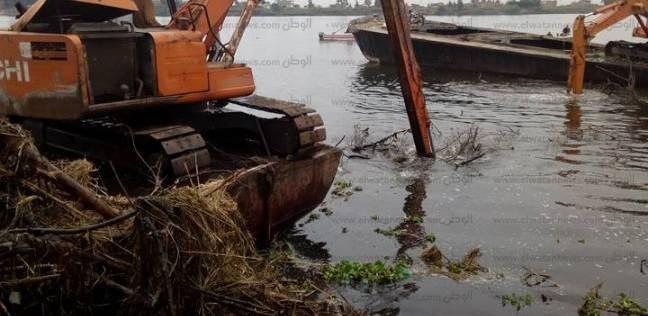 بالصور| حملة لإزالة التعديات على نهر النيل بفوه في كفر الشيخ