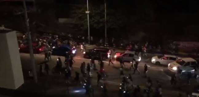 خروج السكان للشارع لحظة وقوع زلزال في تشيلي