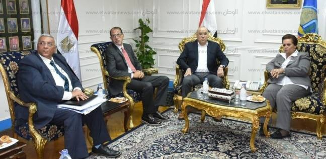 محافظة البحيرة تستعرض أعمال تطوير رشيد مع نائب وزير الإسكان