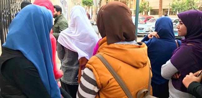 """""""أزهريات"""" على أبواب """"دار الشفاء"""": """"جمعنا أطعمة للمصابين وأهلهم"""