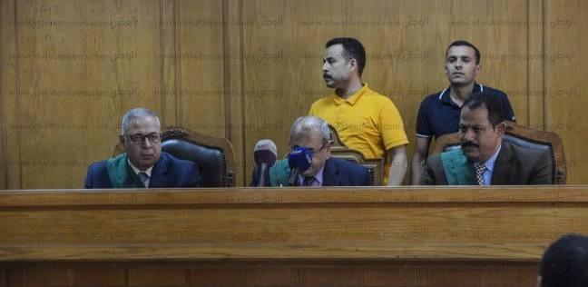 """تأجيل إعادة محاكمة بديع و69 آخرين بقضية """"اقتحام قسم العرب"""" لـ22 سبتمبر"""