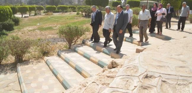 محافظ المنيا يبحث سبل تطوير الحديقة الدولية بشرق النيل