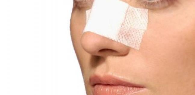 بالفيديو  قطعة بلاستيكية لا تتجاوز 25 دولارا تغني عن جراحة تجميل الأنف
